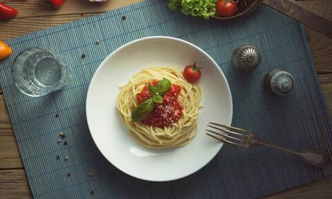Κόκκινη σάλτσα για ζυμαρικά: Η αυθεντική συνταγή της γιαγιάς