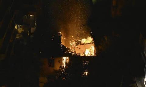 Ανείπωτη τραγωδία: Νεκρό παιδί από φωτιά σε ακατοίκητο κτήριο στον Πειραιά