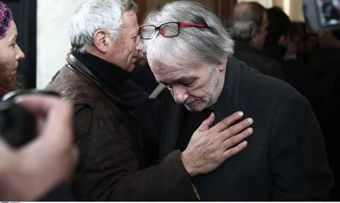 Ανδρέας Μικρούτσικος: Στην Εντατική ο παρουσιαστής - Μεταφέρθηκε εσπευσμένα στο νοσοκομείο