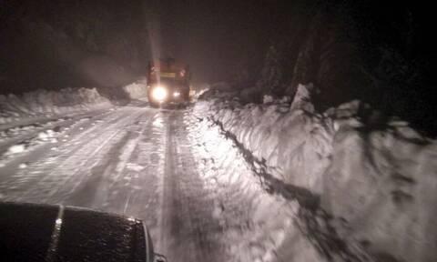 Συναγερμός στη Φθιώτιδα: Μεγάλη επιχείρηση εντοπισμού εγκλωβισμένων στα χιόνια