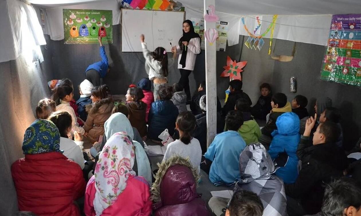 Μυτιλήνη: Το σχολείο των παιδιών του καταυλισμού της Μόριας - Μαθήματα σε σκηνές