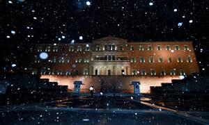 Καιρός: Πυκνό χιόνι από Μαρούσι και πάνω - Χιόνια και στο Σύνταγμα - Κίνδυνος στην Αθηνών - Λαμίας