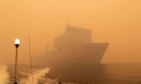 Σκηνές Αποκάλυψης στην Αυστραλία: Απόκοσμες φωτογραφίες από τις φονικές πυρκαγιές