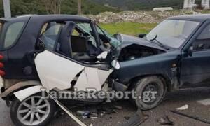 Λαμία: Σφοδρή σύγκρουση με δυο τραυματίες
