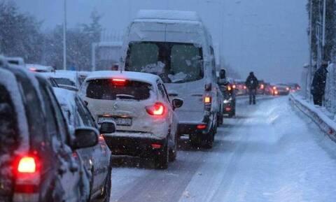 Καιρός - «Ηφαιστίων»: Η επέλαση του χιονιά - Ποιοι δρόμοι είναι κλειστοί - Πού χρειάζονται αλυσίδες
