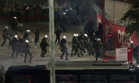 Ολυμπιακός – Παναθηναϊκός: «Πάρτι» στην αρχή, δακρυγόνα και ένταση στη συνέχεια (video+photos)