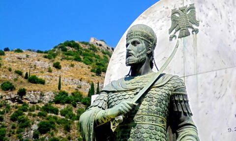 Σαν σήμερα το 1449 ο Κωνσταντίνος ΙΑ' Παλαιολόγος στέφεται στο Μυστρά αυτοκράτορας του Βυζαντίου
