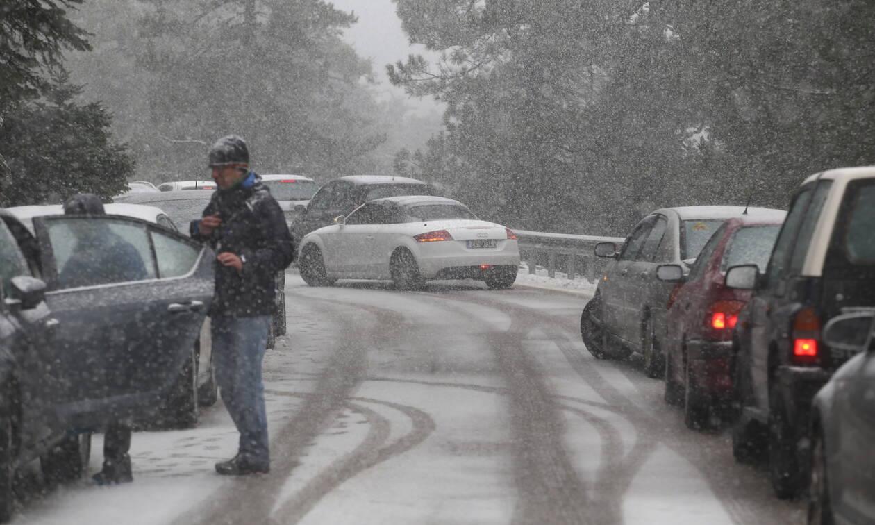 Κακοκαιρία «Ηφαιστίων»: Ποιοι δρόμοι είναι κλειστοί - Πού χρειάζονται αλυσίδες (ΛΙΣΤΑ)