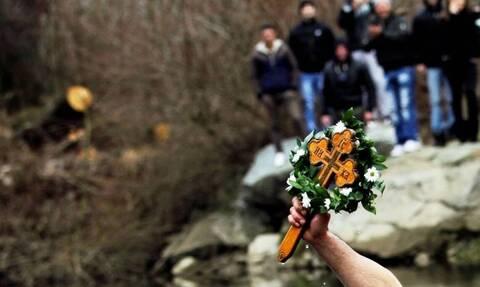 Θεοφάνεια: Ήθη και έθιμα όλης της Ελλάδας