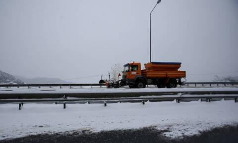 Penteli-Nea Makri road closed to traffic due to snowfall