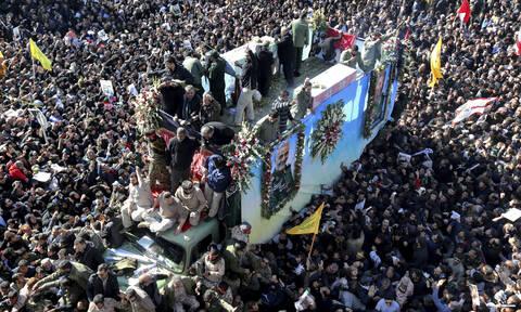 Ιράν: Αναβλήθηκε η ταφή του Σουλεϊμανί μετά την τραγωδία - Δεκάδες οι νεκροί από το ποδοπάτημα