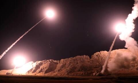 «Φωτιά» στη Μέση Ανατολή: Το Ιράν εξαπέλυσε επίθεση με ρουκέτες σε αμερικανικές βάσεις