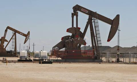«Άλμα» στην τιμή του πετρελαίου αμέσως μετά την επίθεση του Ιράν