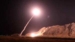 Κολασμένη νύχτα στη Μέση Ανατολή: Το Ιράν χτύπησε με πυραύλους αμερικανικές βάσεις στο Ιράκ