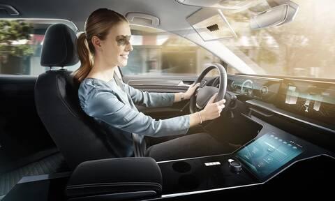 Στο μέλλον ακόμα και τα σκιάδια των αυτοκινήτων θα είναι έξυπνα