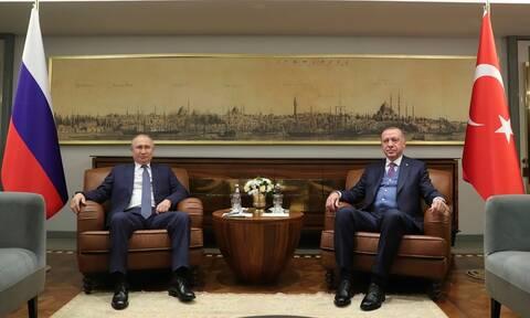 Ερντογάν - Πούτιν καλούν σε κατάπαυση πυρός στη Λιβύη