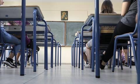 Θρήνος στην Κάλυμνο: 49χρονος καθηγητής έπεσε νεκρός μέσα στο σχολείο