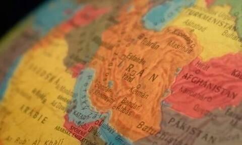 Δημοσκόπηση «Politico»: 7 στους 10 Αμερικανούς δεν ξέρουν πού... πέφτει το Ιράν