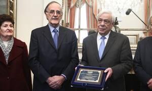 Ο Προκόπης Παυλόπουλος συναντήθηκε με την Ένωση Συγγενών Πεσόντων στο Αλβανικό Μέτωπο