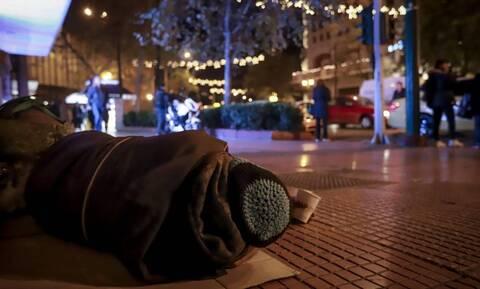 Δήμος Αθηναίων: Συνεχίζονται τα έκτακτα μέτρα για τους άστεγους – Ποιοι χώροι θα είναι ανοιχτοί
