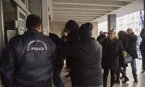 Στην ανακρίτρια οι συλληφθέντες για τον θάνατο του Βούλγαρου οπαδού (photos)
