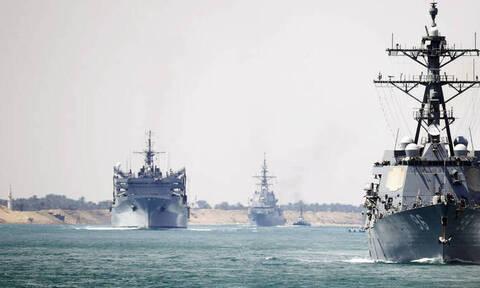 Παραλίγο «θερμό» επεισόδιο στην Αραβική Θάλασσα μεταξύ ΗΠΑ και Ρωσίας