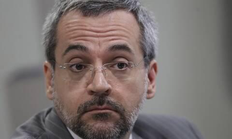 Βραζιλία: Αντικείμενο χλευασμού για τα ορθογραφικά του λάθη ο υπουργός Παιδείας
