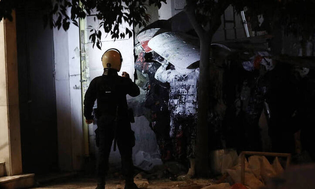 Συνελήφθη η κόρη πασίγνωστου Έλληνα ηθοποιού στην κατάληψη στο Κουκάκι (pics)