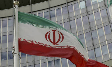 Γαλλία, Βρετανία και Γερμανία καλούν το Ιράν να επιστρέψει στη συμφωνία για τα πυρηνικά