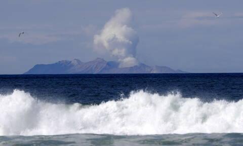 Νέα Ζηλανδία: Τους 18 έφτασαν οι νεκροί από την έκρηξη του ηφαίστειου Γουακαάρι