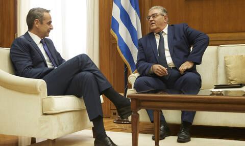 Στις 11:00 το ραντεβού Μητσοτάκη-Κουτσούμπα για ελληνοτουρκικά και εκλογικό νόμο