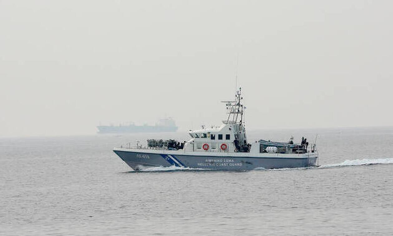 Τραγωδία στους Παξούς: Συνελήφθησαν τρεις φερόμενοι διακινητές – Ήταν ανάμεσα στους διασωθέντες
