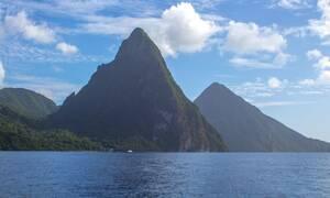 Αγία Λουκία: Το νησί... στη μέση του πουθενά