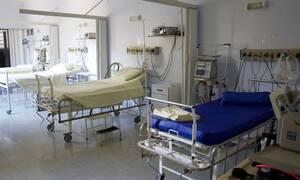Ασθένεια μετέτρεψε 10χρονο αγοράκι σε «φίδι» (ΣΚΛΗΡΕΣ ΕΙΚΟΝΕΣ)