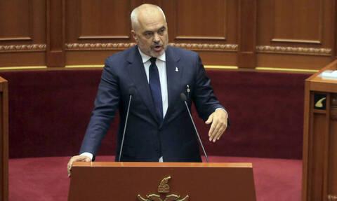 Η Αλβανία απέλασε δύο Ιρανούς διπλωμάτες μετά τις δηλώσεις Χαμενεΐ περί «διαβολικής χώρας»