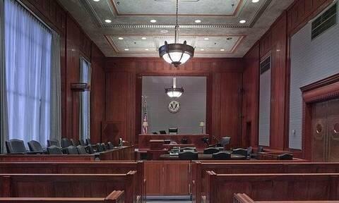 Χαμός σε δικαστήριο: Δείτε τι ζήτησε από την σύζυγό του για να της δώσει το διαζύγιο