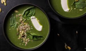 Μοναδική συνταγή για σούπα με κολοκυθάκια, πράσο και σπανάκι