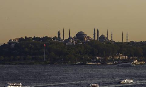 """Κάιρο: Για διασπορά """"ψευδών ειδήσεων"""" κατηγορούνται οι 4 εργαζόμενοι του Anadolu που συνελήφθησαν"""