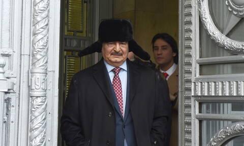 Ραγδαίες εξελίξεις: Στο Βερολίνο ο Χαφτάρ για τη Διάσκεψη της Λιβύης