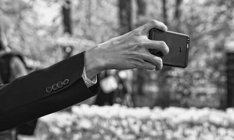 Έβγαλε selfie γυμνός: Αυτό που ακολούθησε θα το θυμάται για πάντα (pics)