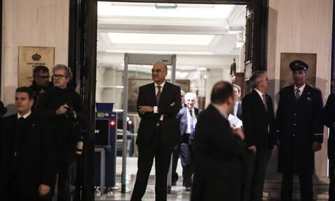 Η πρώτη συνάντηση Δένδια - Χαφτάρ: Οι συνομιλίες σε κεντρικό ξενοδοχείο της Αθήνας (pics)