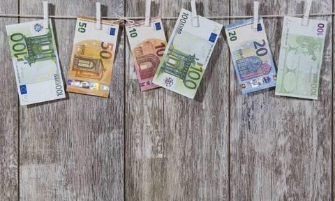 Κατάργηση εισφοράς αλληλεγγύης και μειωμένες ασφαλιστικές εισφορές: Ποιοι και πόσα κερδίζουν