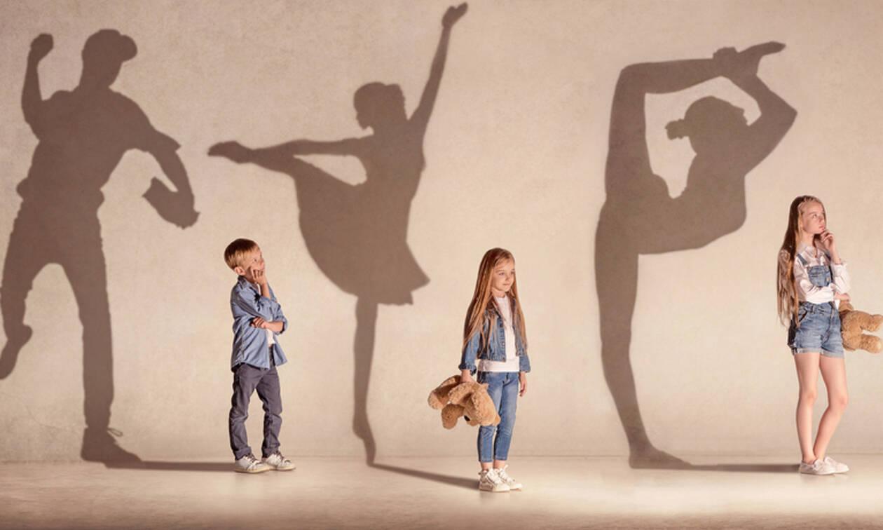 Ποιο φύλο θεωρούν τα παιδιά πιο ισχυρό; Τους άνδρες ή τις γυναίκες;