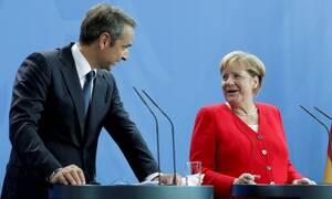 Τηλεφωνική επικοινωνία Μητσοτάκη-Μέρκελ για Λιβύη και διάσκεψη Βερολίνου