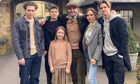 David Beckham: Φωτογραφίες & βίντεο που δείχνουν πόσο υπέροχη οικογένεια έχει (pics+vid)