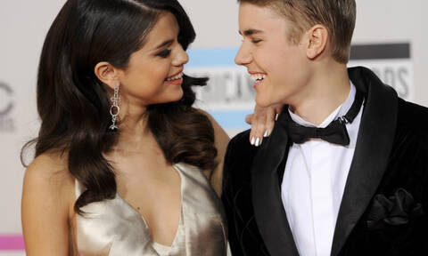 Η Selena Gomez «αντέγραψε» τον Justin Bieber και τώρα αναρωτιόμαστε το προφανές