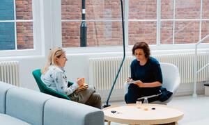 3 τρόποι για να μένεις ψύχραιμη όταν γίνεται κάτι στη δουλειά