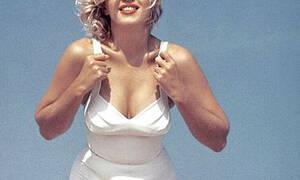 Σπάνιες φωτογραφίες από την πιο ποθητή γυναίκα του Hollywood!
