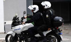 Πανικός στο κέντρο της Αθήνας: Κουκουλοφόροι προσπάθησαν να επιτεθούν σε αστυνομικούς της ΔΙΑΣ