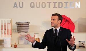 Σκηνές χάους στη Γαλλία: Διαδηλωτές επιχείρησαν να επιτεθούν στον Μακρόν